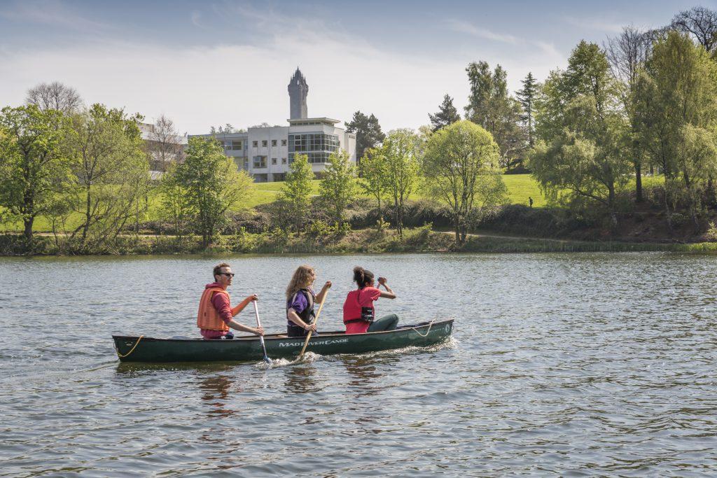 Students canoe Airthrey Loch